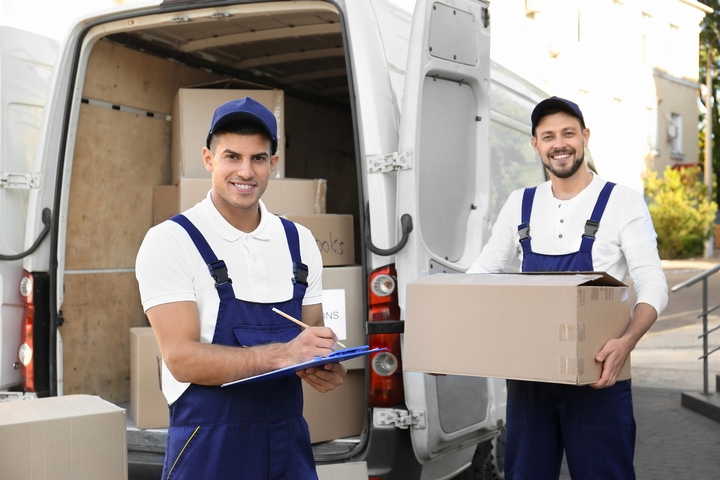 5 Things to Avoid with Professional Movers on Moving Day
